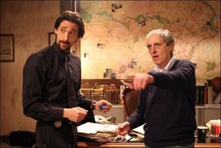 Per i soldi chiedi a lui, a Gianni. Gianni ce li hai tu i soldi di Adrien, vero?